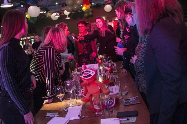 dinner-quiz-events-company-1